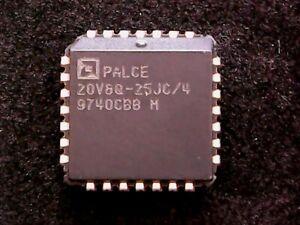 PALCE20V8Q-25JC/4 - AMD EE CMOS Universal Programmable Array Logic (PLCC-28)