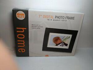 "Home 7"" Digital Photo Frame 16:9 Ratio Memory Card Real Wood Black (open box)"