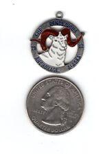 1982 ALASKA FUR RENDEZVOUS (RONDY) CHARM PIN BADGE PINBACK-MICHIGAN DEER PATCH