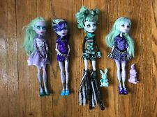 Monster High Dolls Twyla. 13 wishes, Coffee bean and Freak du chic