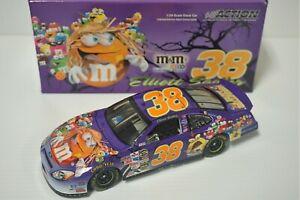1/24 Elliott Sadler #38 M&M's Minis / Halloween 2005 Taurus NASCAR Diecast Car