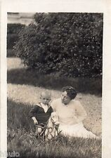 BE119 Carte Photo vintage card RPPC Femme woman enfant jouet cheval ancien
