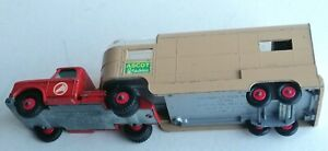Matchbox Lesney King Size No. K-18 - Dodge Tractor cab and Articulated Horse Van