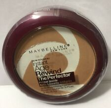 Maybelline Instant Age Rewind The Perfector Powder, LIGHT/MEDIUM #30 NEW .