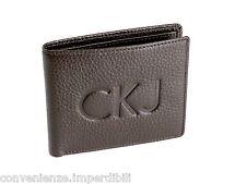Calvin Klein Jeans Portafoglio Slimfold in pelle martellata di colore marrone sc