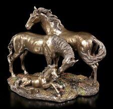 Pferde Figuren - Mustang, Stute & Fohlen - Veronese Bronze-Optik Hengst Statue