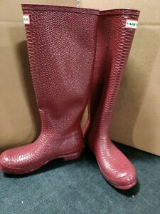 HUNTER Women's Perfect Pairs Tall Waterproof Rain Boot Size: 8 Rumbling Red $175