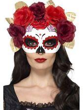 Maschere di plastica rossa per carnevale e teatro