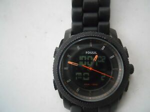 Fossil chronograph men's black rubber band,quartz,Analog& battery watch. Fs-4628