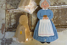 Box Of Pine Wood Unpainted Surfaces Farm Ladies & Sailor Girl Figures B1116