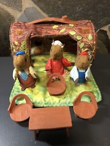Vintage 1979 fischer price squirrel family log home carry bag finger puppets