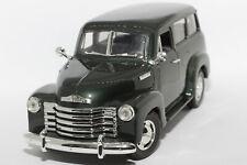 1:18 Chevrolet 3100 Carryall Suburban (1950) | dunkelgrün | MIRA | Modellauto