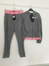 Nike Large Girls NEW Grey Tracksuit Hooded Jumper And Tracksuit Bottoms