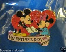 Disney DS 12 Month Magic Valentines Day Mickey Mouse & Minnie Mouse Pin