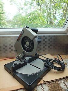 Black & Decker Typ SR 700 PLUS Kapp Gehrungssäge Neuwertig Winkelsäge Kappsäge