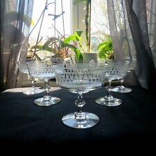 6 coupes à champagne en cristal gravé de baccarat