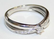 Gorgeous 18ct White Gold Diamond Cross Over Ring 0.26cts Size O
