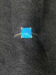 silver ring with australian fire opal