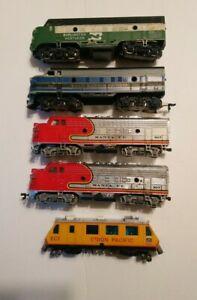 Tyco Bachmann etc HO Train Lot 5 Diesel Locomotives For Parts/Repair C-1