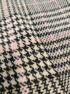 """VINTAGE Wool Blend Beautiful Piece!! 4. 5 Yards X 60"""" Black and Pink"""