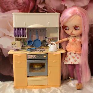 👧🏼~ BLYTHE DOLL / Barbie  ~ Vintage Kitchen + Utensils ~  👧🏼