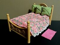 LOVING FAMILY PARENTS BED LOT DOLLHOUSE BED ROOM FURNITURE FISHER PRICE