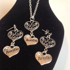 Auntie and heart necklace and matching stud earrings  silver plated