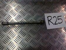 R25 APRILIA LEONARDO 250 FRONT WHEEL AXLE SPINDLE BOLT *FREE UK POST*