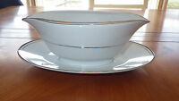 Fine China Gravy Boat Sincerity Imperial China W Dalton 318 white Platinum