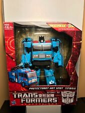 TRANSFORMERS GENERATIONS VOYAGER CLASS PROTECTOBOT HOT SPOT ASIA EXCLUSIVE