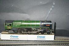 TRIANG  OO gauge  LOCOMOTIVE & TENDER BRITANNIA '70000' + smoke unit
