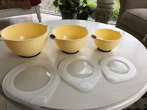 COPCO NESTING MIXING BOWLS SET 1, 2 & 3 QUARTS NEVER USED WITH LIDS AND BOX