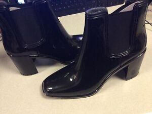 London Fog LFW-PRITE Womens Pull On Ankle Heel Boots Shiny Black Size 10 NEW