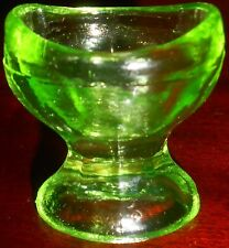 Neon Green Vaseline uranium glass Eye wash rinse cup holder glows yellow canary