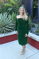 1960's True Vintage-Sexy Sheath for VALENTINEs DAY!Gorgeous, classy green velvet