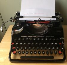 1952 Groma Model T Black German Typewriter w/case, New Ribbon, QWERTZ Keyboard