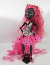 MONSTER HIGH Catty Noir First Wave Original 13 Wishes Doll Outfit Shoes Stand