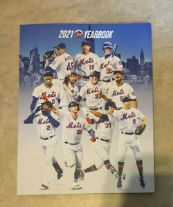 New York Mets Official 2021 Baseball Yearbook NEW shipped in a box