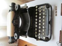 vintage typewriter corona old 3