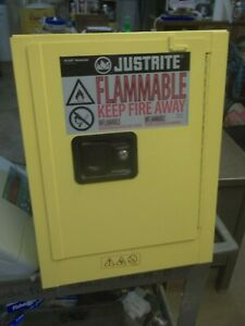 JUSTRITE 890420 FLAMMABLE SAFETY STORAGE CABINET YELLOW 17X17X22 (609)