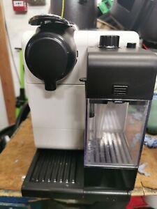De'Longhi Nespresso Lattissima Touch Palladium  Coffee Machine white