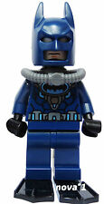 LEGO SUPERHEROS BATMAN WETSUIT- FLIPPERS MINIFIGURE GENUINE BRAND NEW
