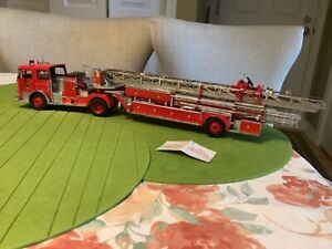 Franklin Mint 1965 Seagrave Tractor Drawn Aerial Ladder Fire Truck 1:32 Scale