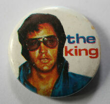 "ELVIS PRESLEY The King Old/Vtg 70`s/80`s Button Pin Badge(25mm-1"") EP104"
