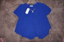 Ladies NWT Xin Xin Jia pull on Top - Size Large