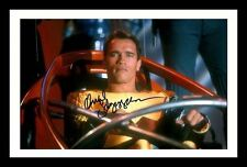 ARNOLD SCHWARZENEGGER - THE RUNNING MAN SIGNED & FRAMED PP POSTER PHOTO