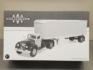 1st Gear 19-2822 Texaco 100th Anniversary 1949 International Tractor Trailer