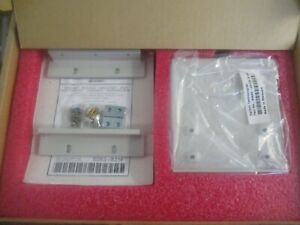 Keysight: 5063-9214. 132.6H Rack Mount Kit Without Front Handles.  Unused Old S<