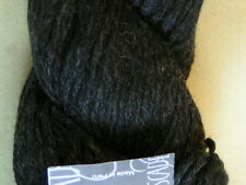 CASCADE 220 Knitting & Felting Yarn #4002 Jet