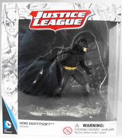 Batman Fighting - Justice League Figurine - New in Box - Schleich 22502